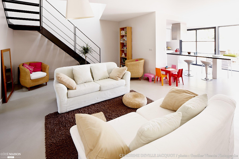 Salon Épuré un salon épuré en toute modernité.   stairs inspo   pinterest