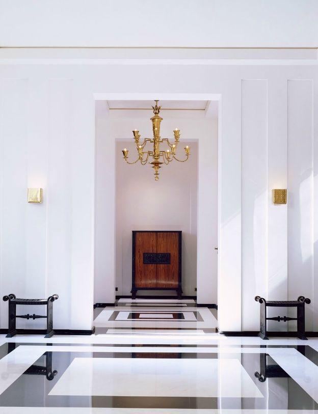Black And White Rectangular Marble Floor Design