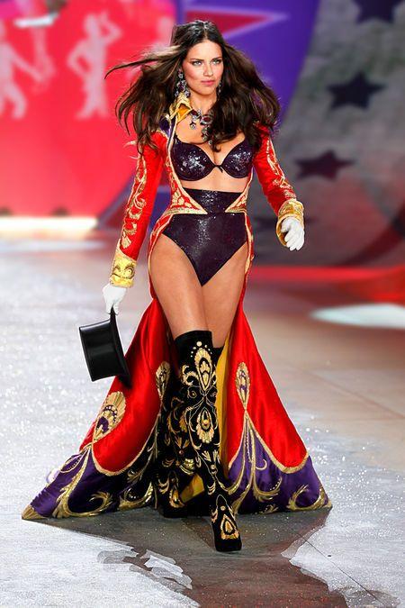 Ring Master - Victoria's Secret Fashion Show - Runway Insider