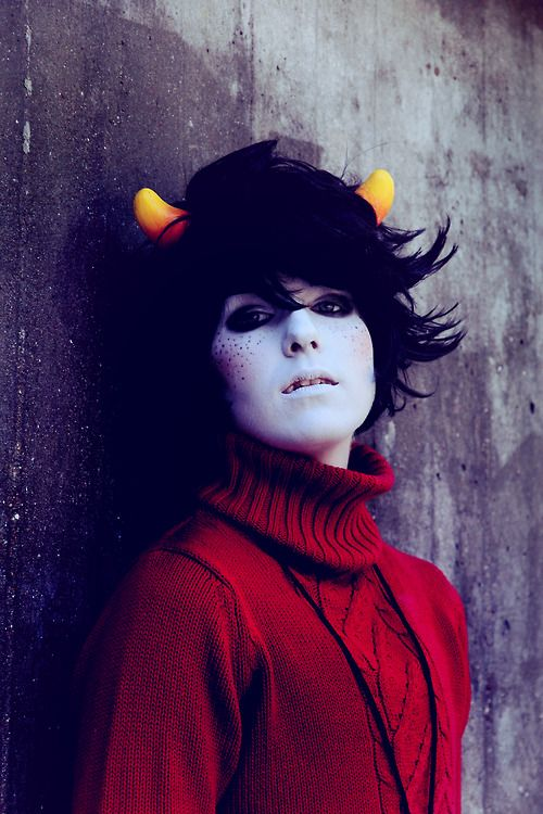 this is an awesome kankri cosplay // *squealing because omg the freckles*