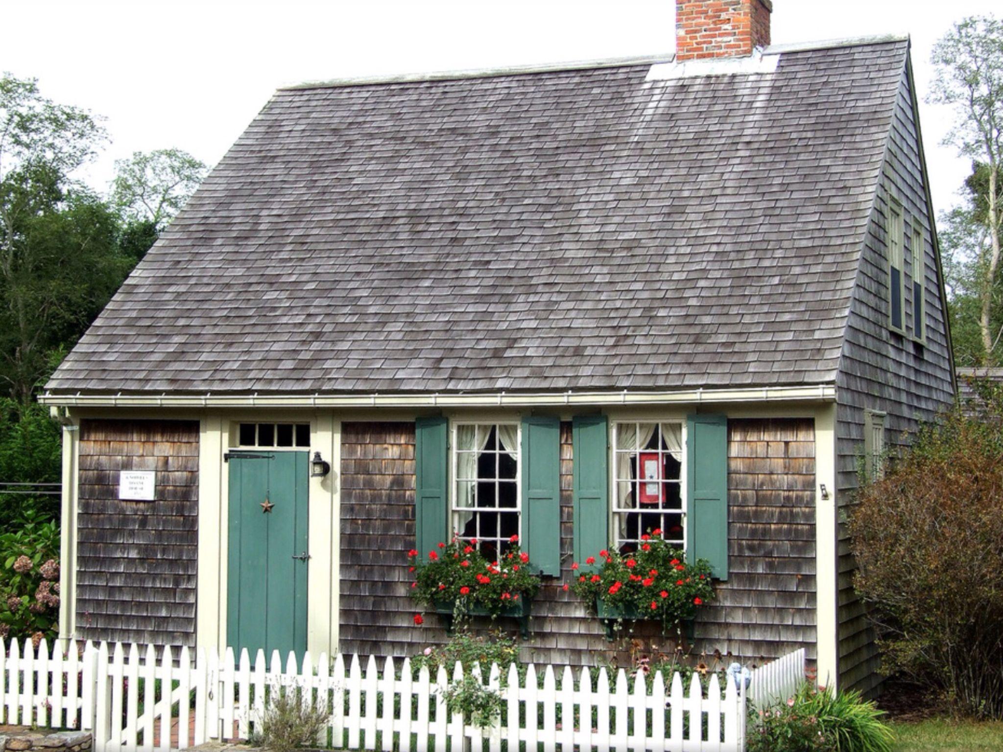 Nantucket cottage ⛵ ⛵ Nantucket Pinterest