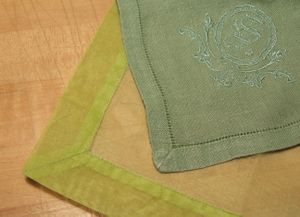 Mitercornergreen_napkins