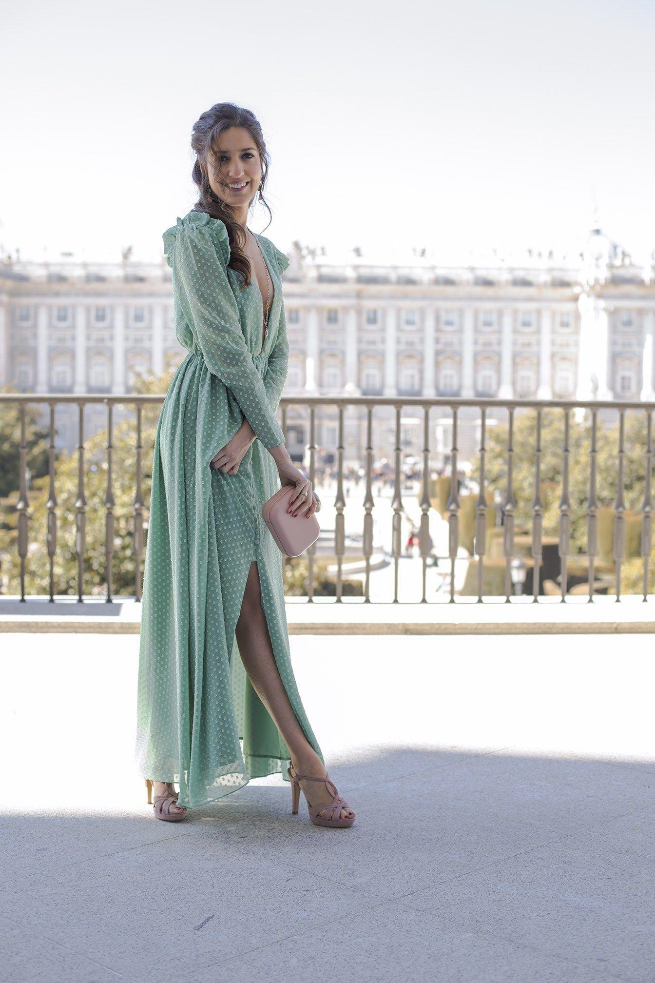 Código promocional color rápido diseño unico Look invitada perfecta boda noche vestido largo plumeti ...