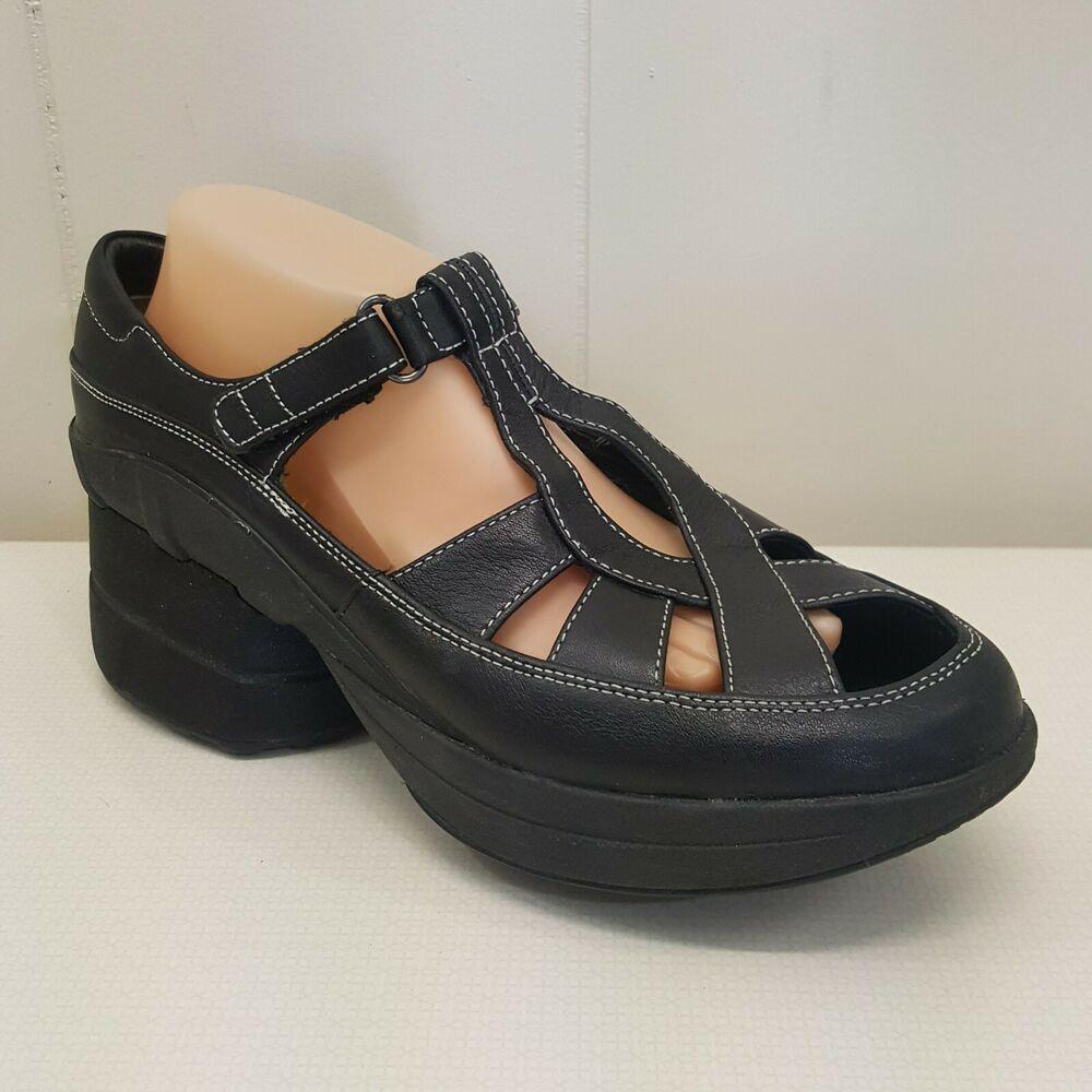 59ea68968fb Crocs J6 Kids Canvas Loafers SANTA CRUZ Tan Beige 15576  Crocs  Loafers