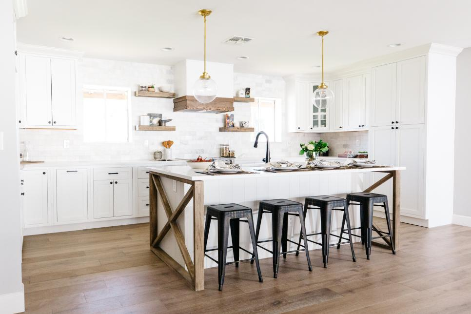 French Country Kitchen Cabinets Pictures Options Tips Ideas Hgtv Country Kitchen Designs Kitchen Design Farmhouse Kitchen Design