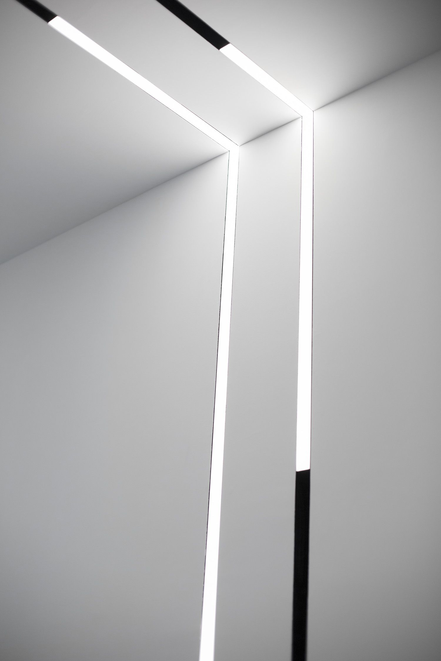 Pin by randall todd on lumiere wall pinterest magnets running flos running magnet track lighting fixtures are as flexible precise and creative as you view our elegantly refined track lighting systems aloadofball Choice Image