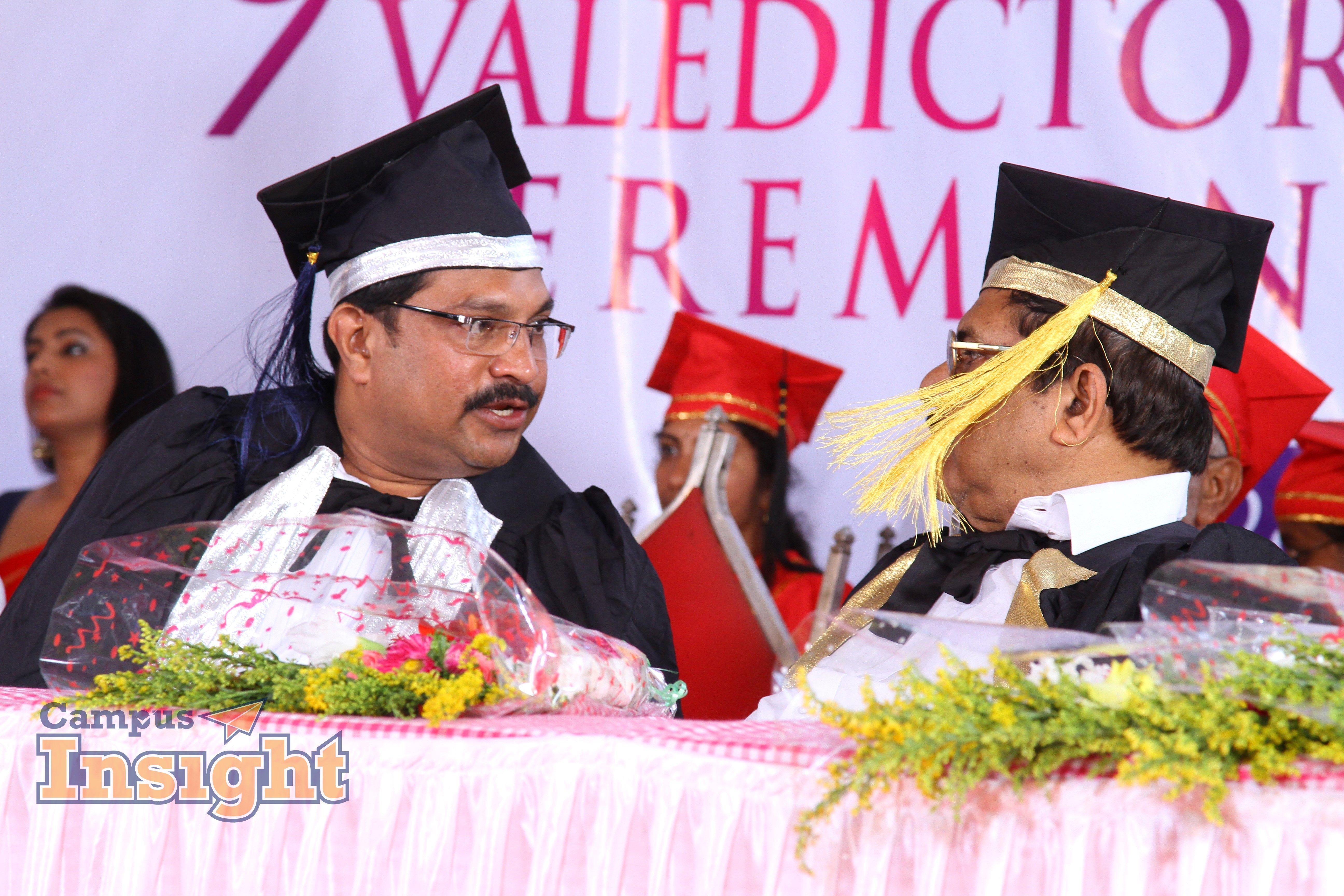 Chairman Academic dress, College, Insight