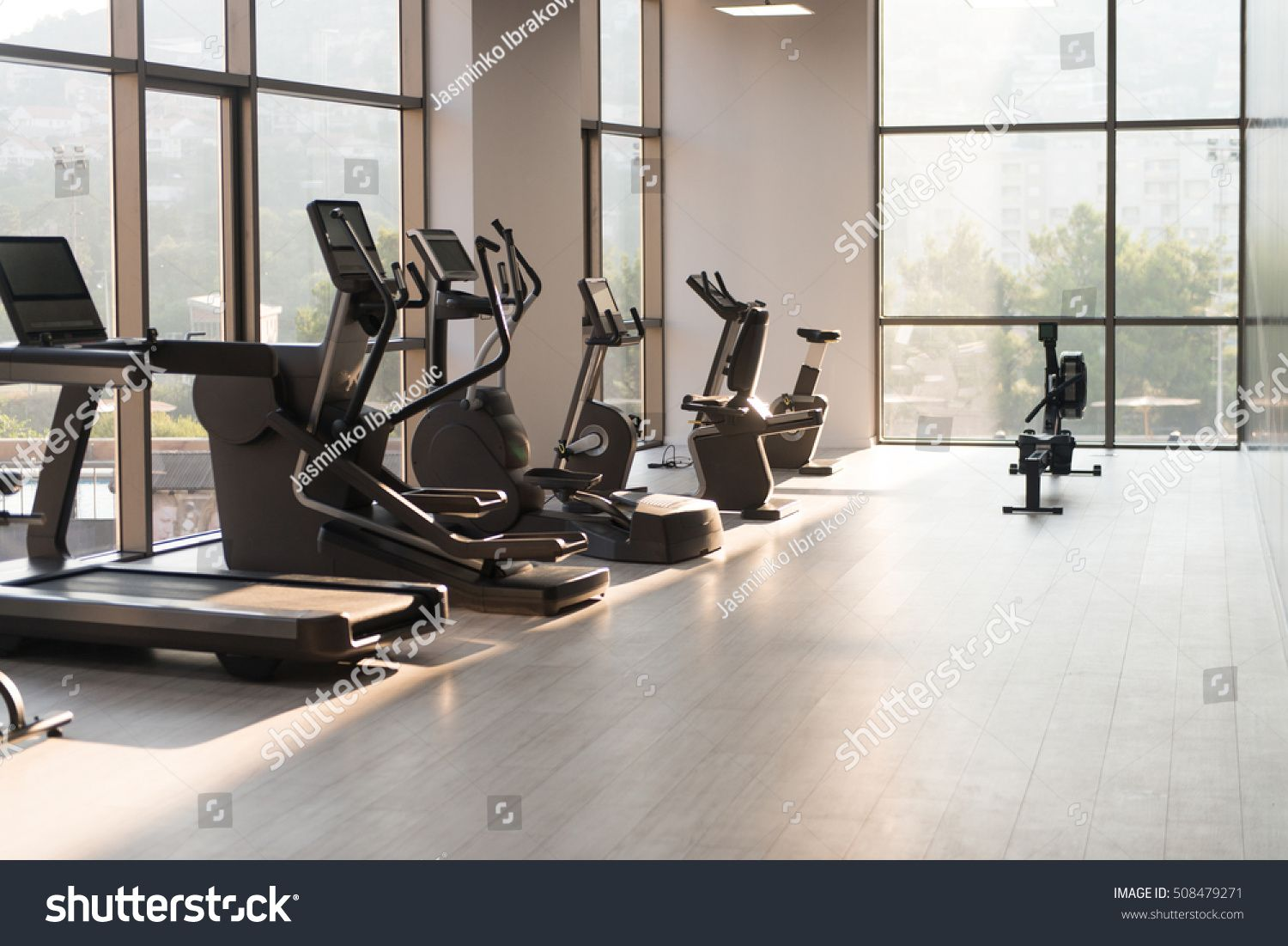 Modern Gym Room Fitness Center With Equipment And Machines Ad Sponsored Room Gym Modern Fitness Best Workout Machine Workout Machines Gym Room