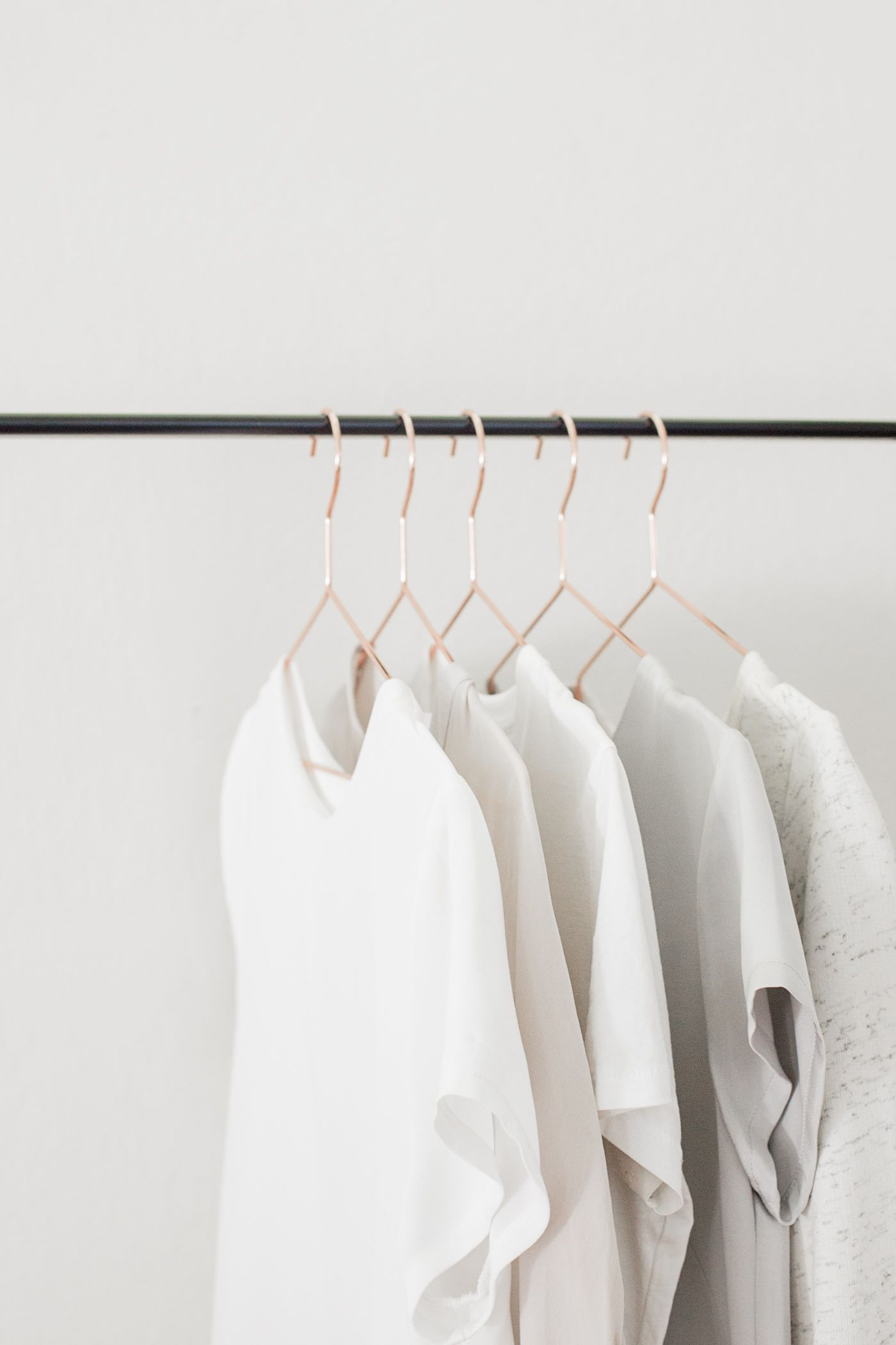 Tips for maintaining a capsule wardrobe. #ad #dearoxiclean