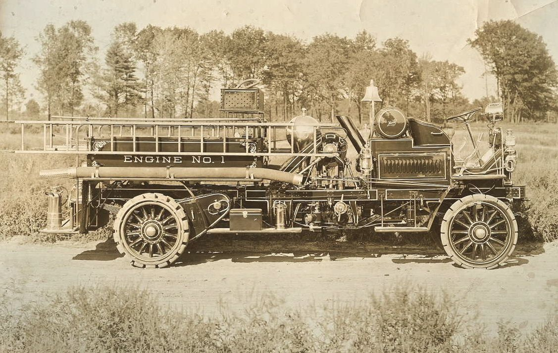 Knox fire engine, one of the first modern fire engines ...