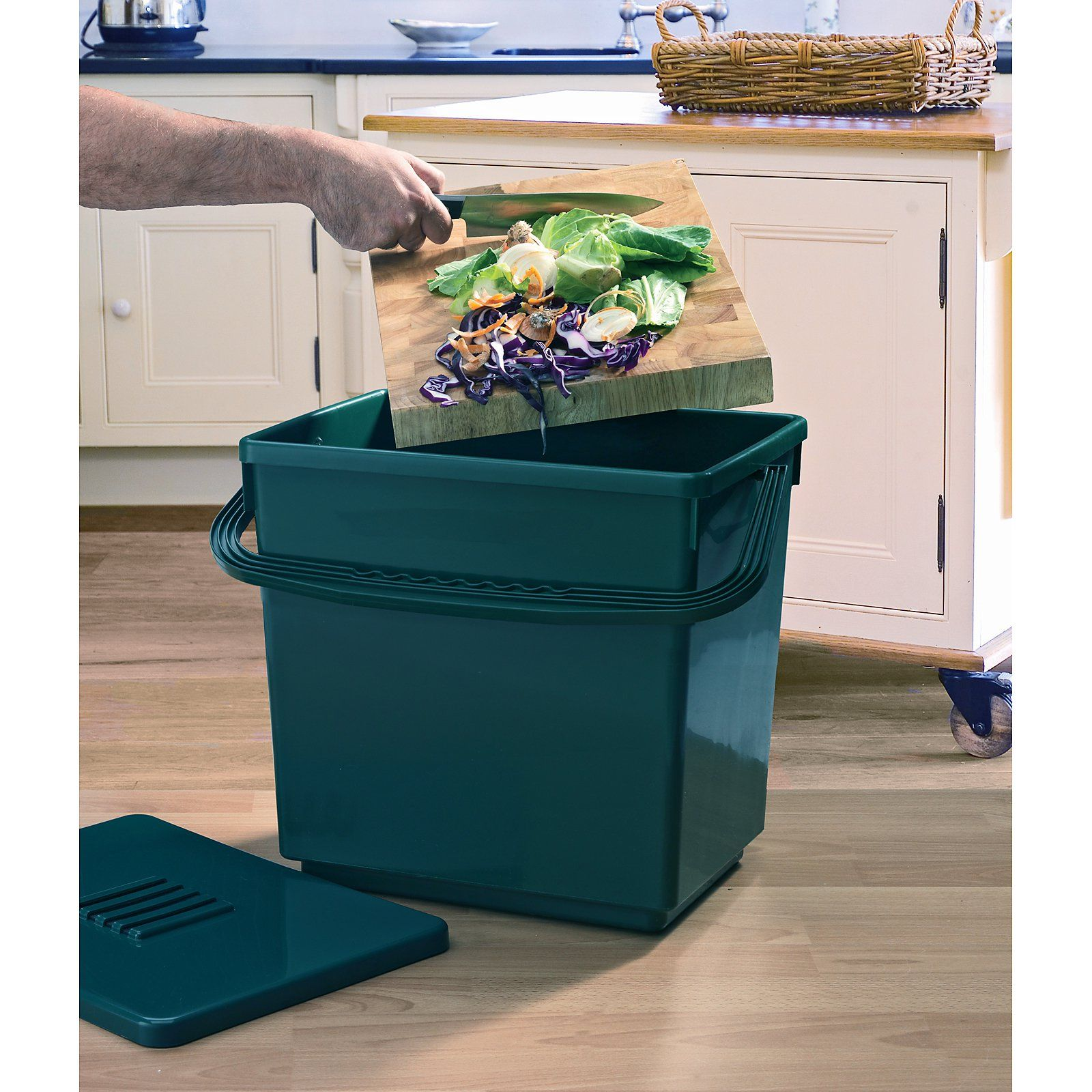 garland jumbo 8 gallon odor free recycled plastic composter caddy