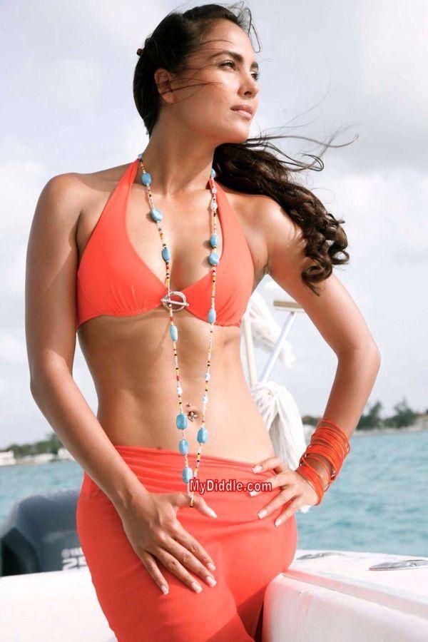 Really. Lara dutta hot bikini that can