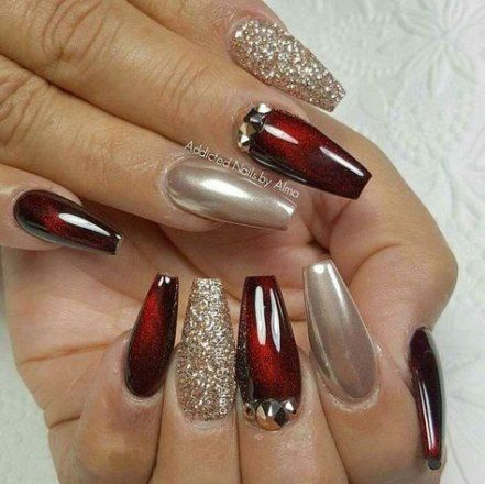 nails christmas red gold manicures 24 ideas  gold nails
