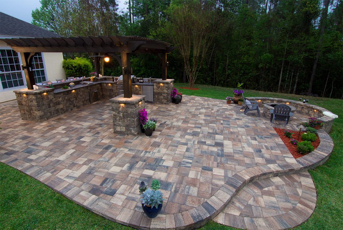 The Ultimate Backyard Experience A Beautiful Outdoor Kitchen And Pergola Designed And Installed By The Pratt Guys Us Hardscape Pergola Images Hardscape Design