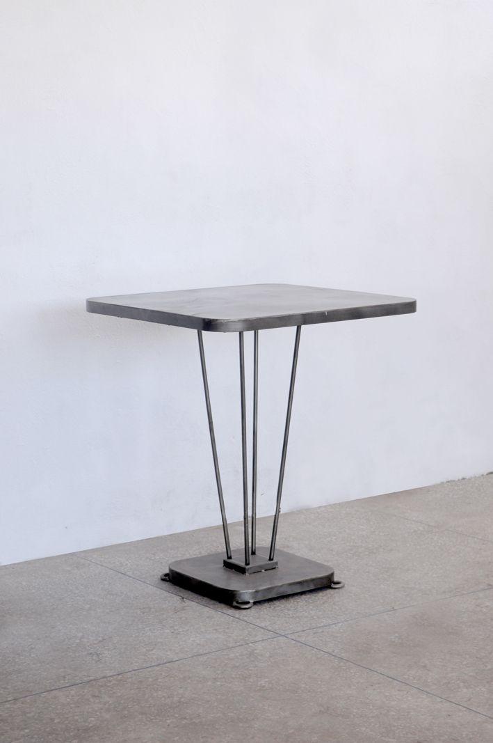 table de bistrot carr e en fer gabin meubles en fer pinterest. Black Bedroom Furniture Sets. Home Design Ideas