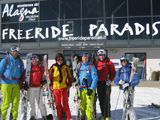 Die AbenteuerSchnee Gruppe im Freeride Paradies.