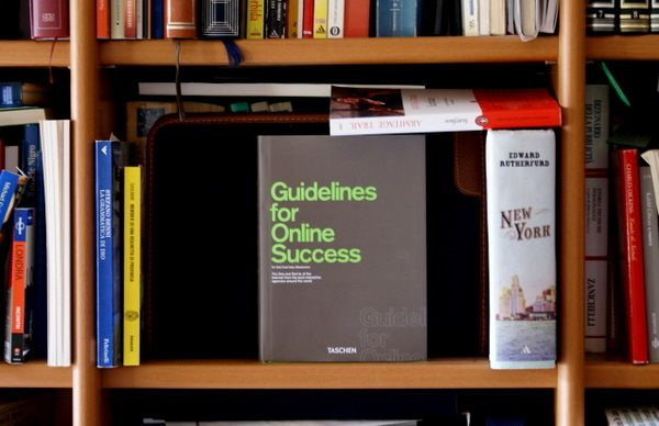 Guidelines for online success, Taschen.