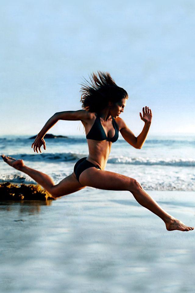 Hilary Swank Running On The Beach Hot Fitness