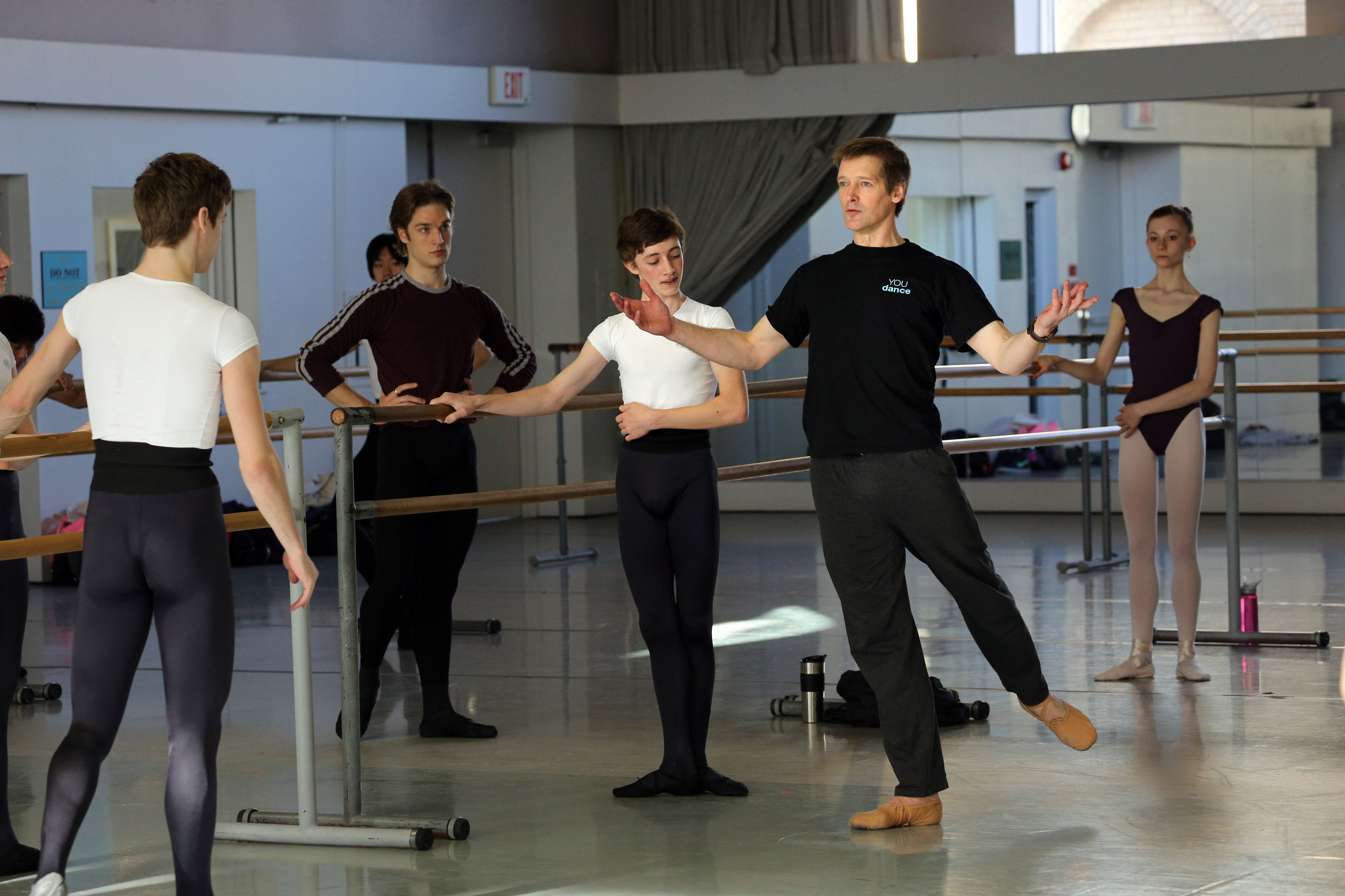 Lindsay Fischer The National Ballet Of Canada Ballet Master And Artistic Director Of You Dance Conducting A Master Class For Kirov Master Class Kirov Ballet