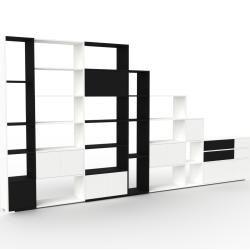 Photo of Regalsystem Weiß – Regalsystem: Schubladen in Schwarz & Türen in Weiß – Hochwertige Materialien – 45