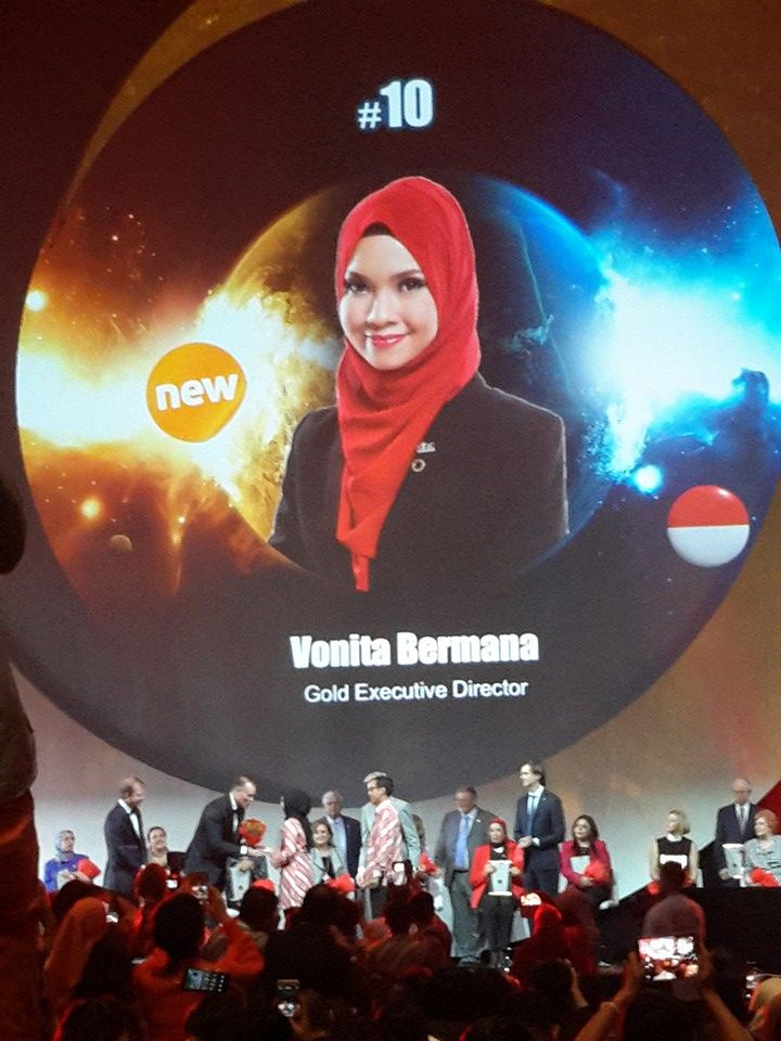 Selamat Kak Vonita!  #10 Top Global 15  photo by kak Tresna  #OriflameDiamondConference2016