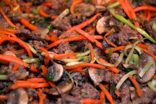 Asian Ground Beef Mushroom And Broccoli Slaw Lettuce Cups Recipe Beef Recipes Broccoli Slaw Paleo Ground Beef