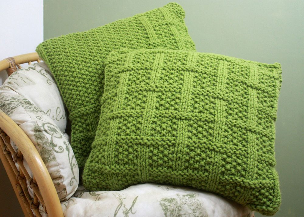 Knitting Pillow Pattern : Knitting pattern square lattice cushion covers