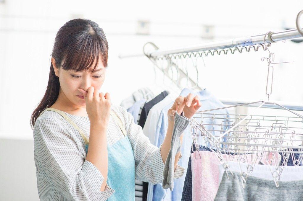 【洗濯物が臭い?!】これで嫌なニオイとサヨナラ!生乾きの原因から対策まで