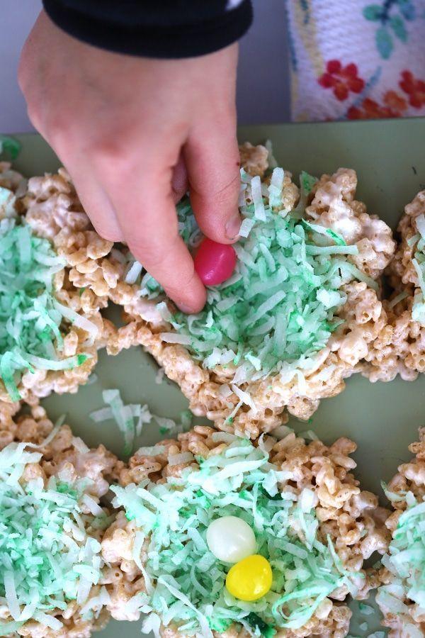 Rice Crispy Bird Nests   thecarefreekitchen   Rice crispy ...