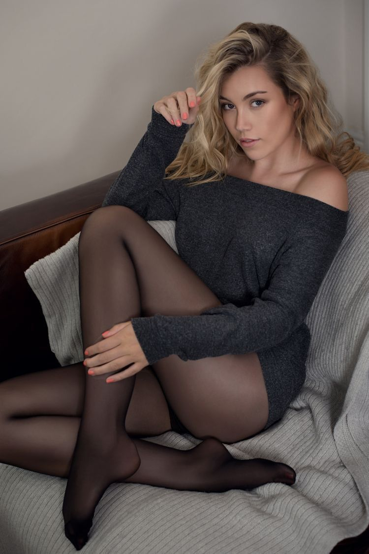 Female pantyhose lovers