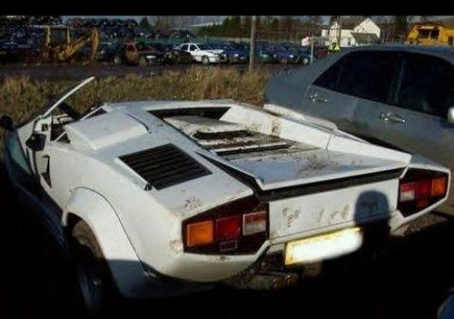 lamborghini countach barn find lost and found super cars pinterest the old horses and barns. Black Bedroom Furniture Sets. Home Design Ideas