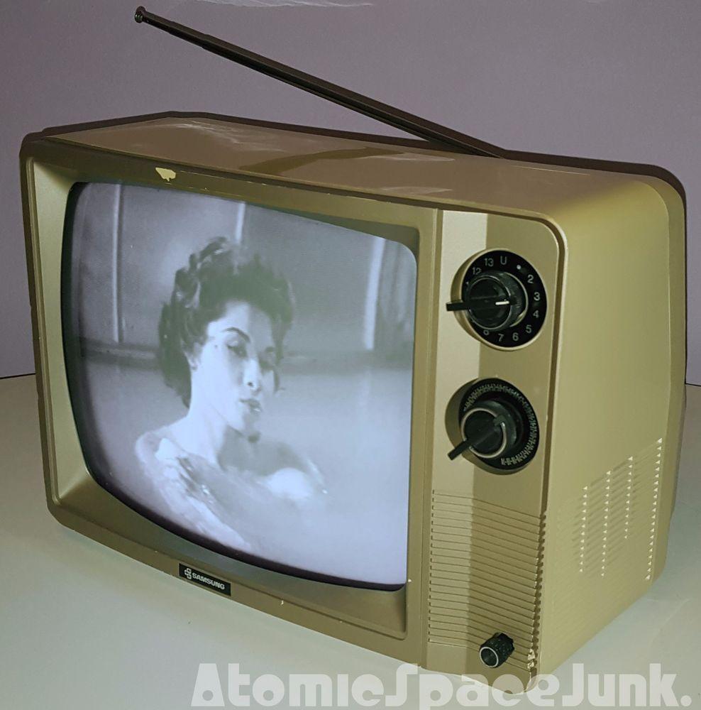 1985 Samsung BT307MR black & white TV