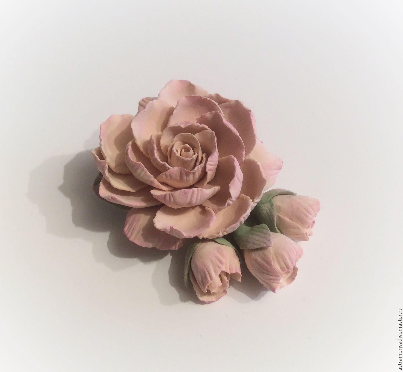 Купить Брошь цветок бежевый из полимерной глины. - бежевый, зеленый, брошь ручной работы