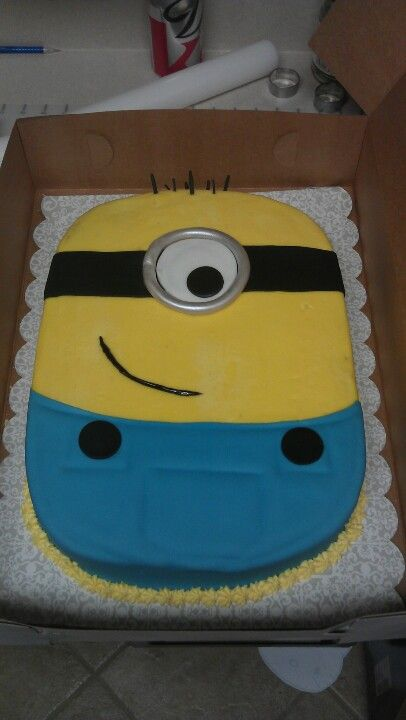 Dye free Minion cake for a little guys birthday