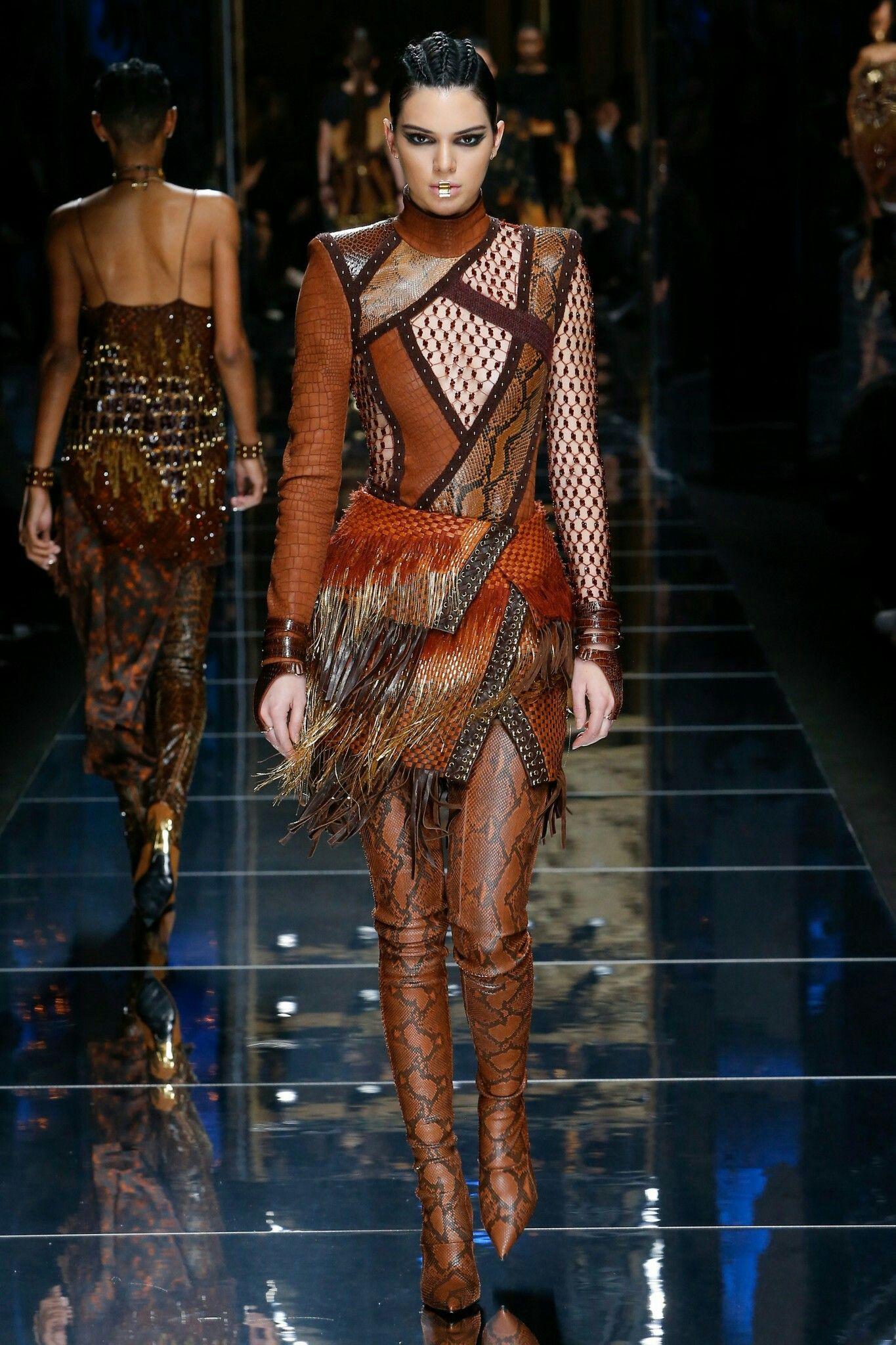 Kendall Jenner And Gigi Hadid Walk In The Balmain SS16
