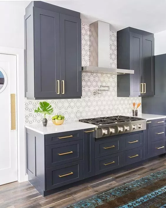 12 Popular Hardware Ideas For Shaker Cabinets Kitchen Cabinets Painted Grey Navy Kitchen Cabinets Grey Painted Kitchen