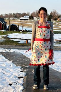 Full Apron Tutorial ~ Sugar Bee Crafts