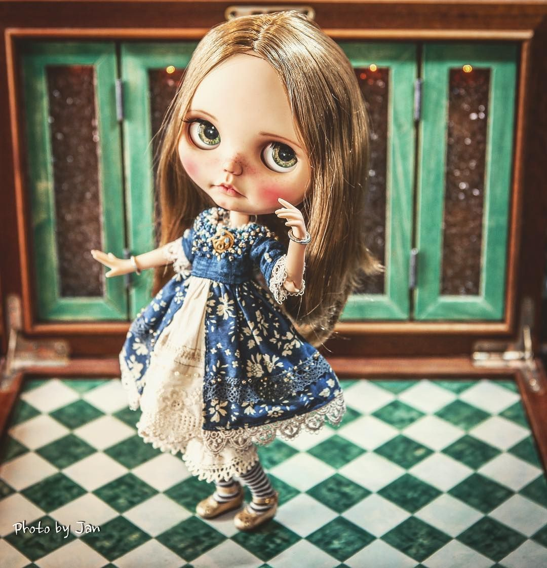 Shall we dance ✨✨ #jodiedolls #Blythe #Magelie #Jansworks #vintage #dress #adorable #lovely #love