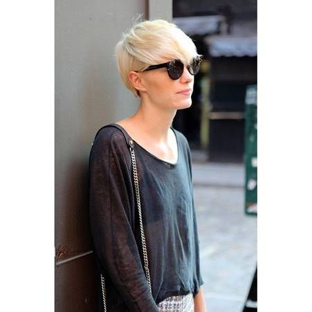 Coupe Structuree Blond Platine