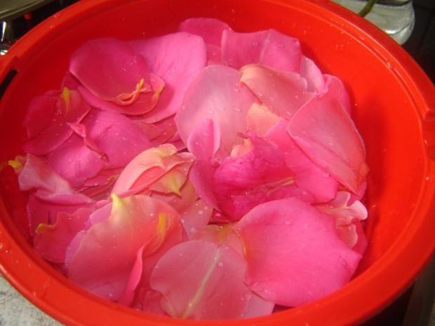 Rosensirup Rezept Rosensirup, Einmachrezepte und Rosen