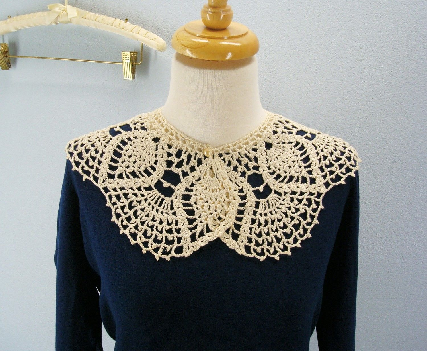Free crochet pattern lace collar from the womens accessories free crochet pattern lace collar from the womens accessories bankloansurffo Image collections
