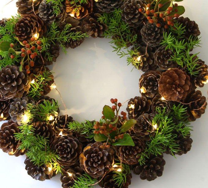 Easy DIY Fresh Boxwood Wreath With Gold
