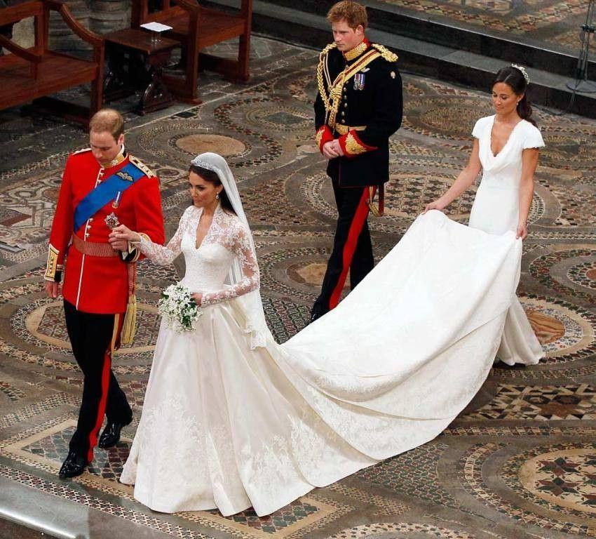 Top 10 Most Expensive Royal Weddings Topteny Com Kate Hochzeitskleid Kate Middleton Hochzeitskleid Konigliche Hochzeitskleider