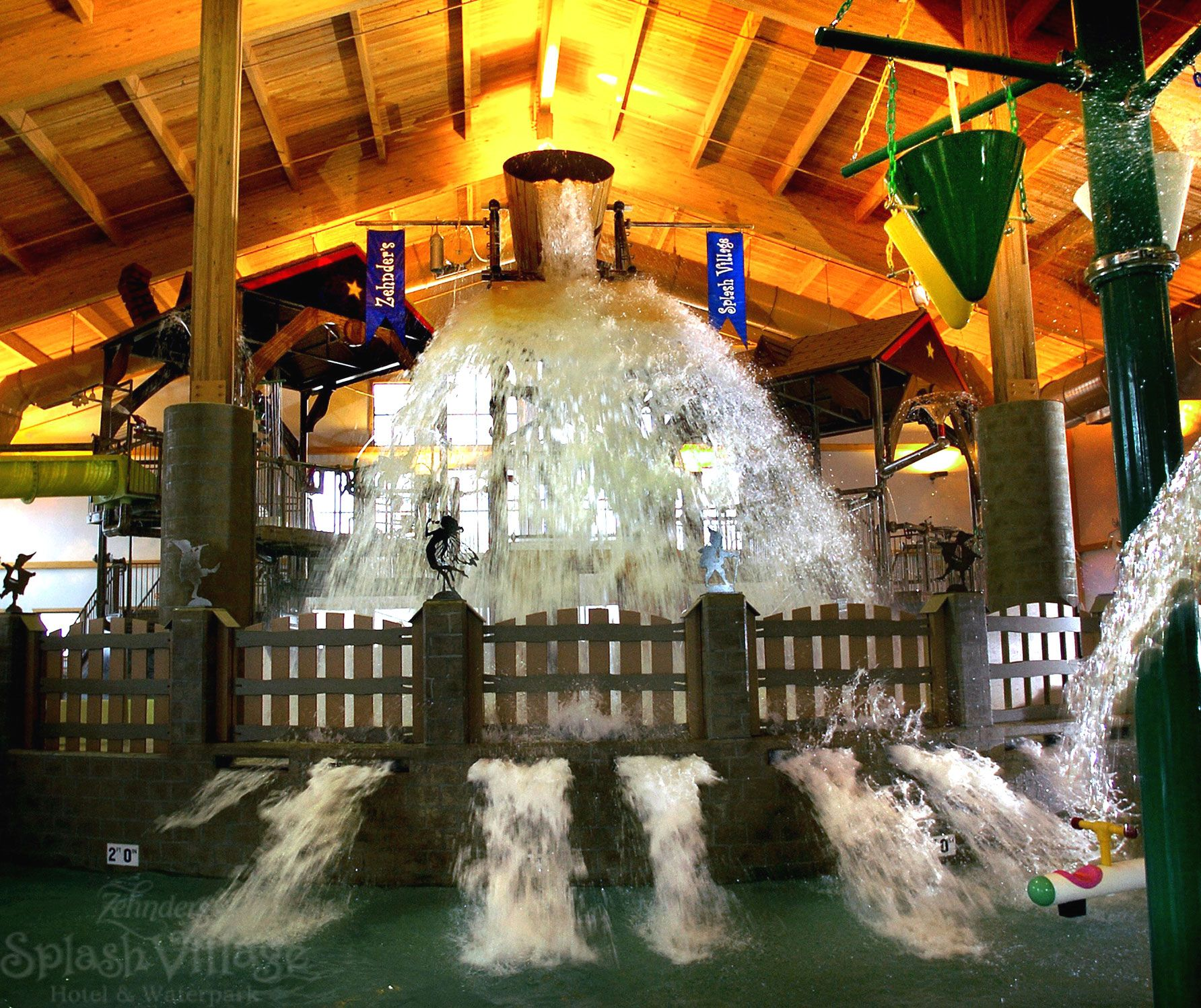 Michigan S Zehnder Splash Village Hotel And Indoor Waterpark Located In Frankenmuth Water Activities All