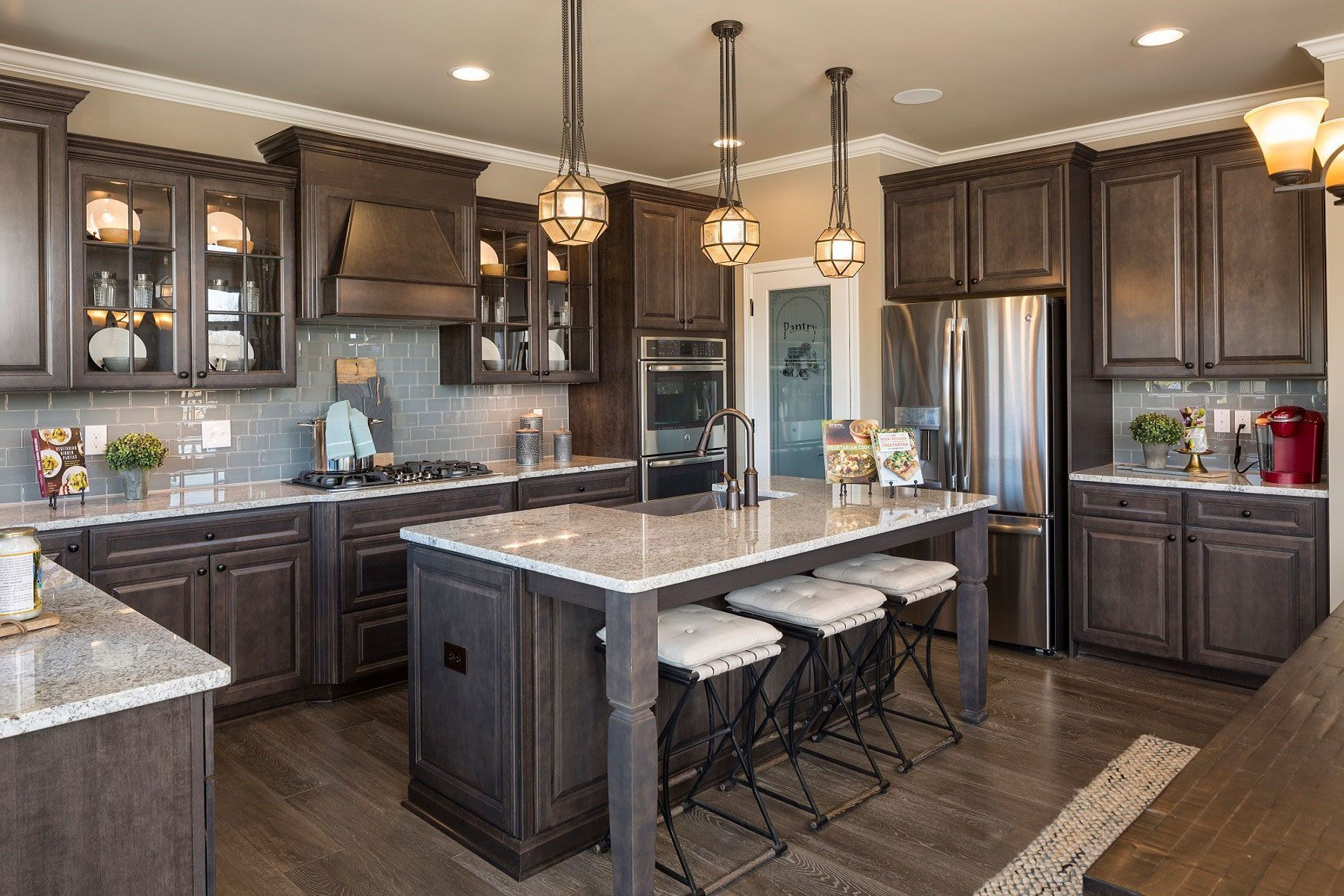 I Think This Is Aristokraft Flagstone Stain Darkkitchencabinets I Think Thi I Think This In 2020 Home Decor Kitchen Home Kitchens Kitchen Remodel Small