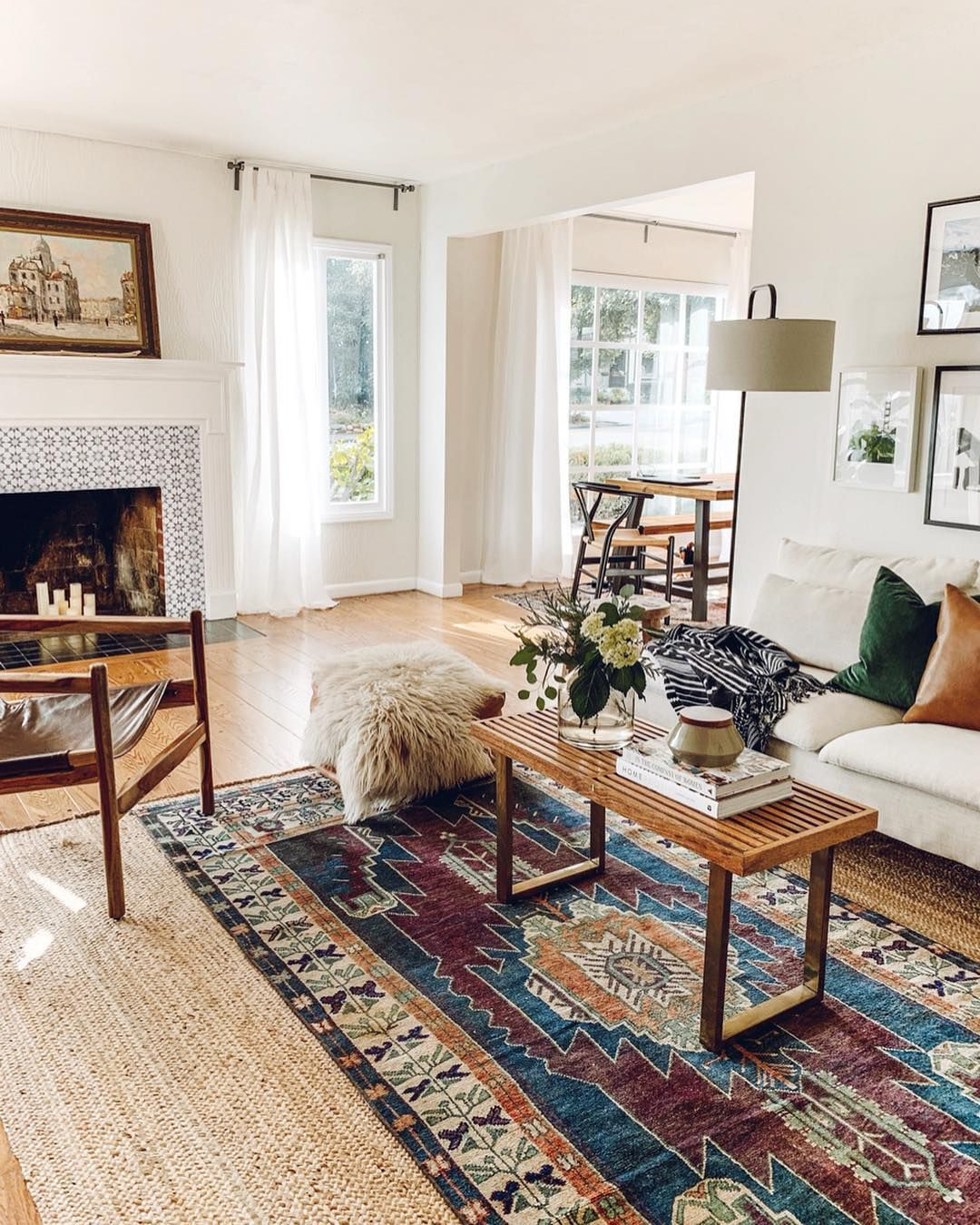Rebecca Genevieve On Instagram Character How Do You Add Character To A Rental House Without Doing Permanent Chan Home Living Room Home Rugs In Living Room