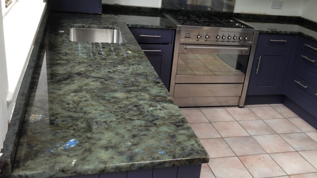 Labradorite Blue River Granit Arbeitsplatten Http Www Granit Arbeitsplatten Com Labradorite Blue River Granit Arbei Natural Stone Tile Kitchen Tops Granite