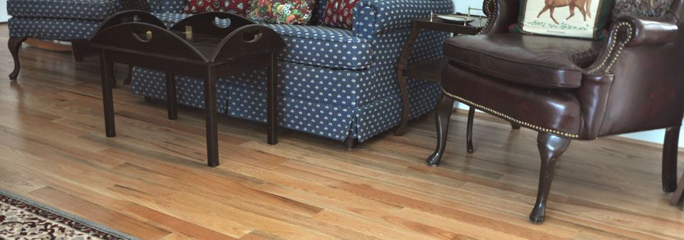 Piedmont Shown In Red Oak Our Piedmont Collection Offers A Great Value And All Of The Characteristics Of A Natu Real Hardwood Floors Design Your Home Red Oak
