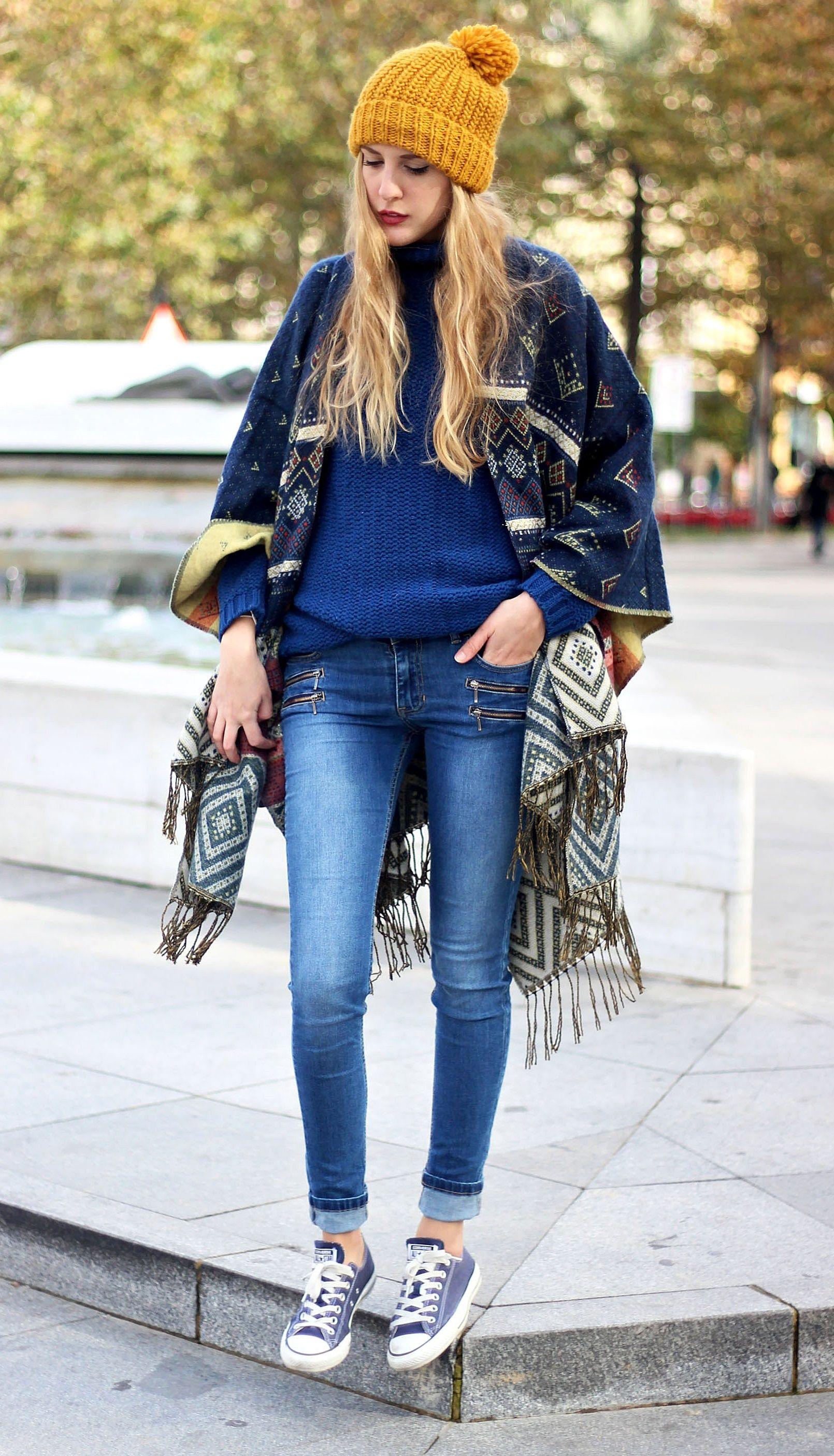 Poncho http://www.deardiary-fashion.com/poncho/ #ootd #ethnic #jeans #converse #beanie