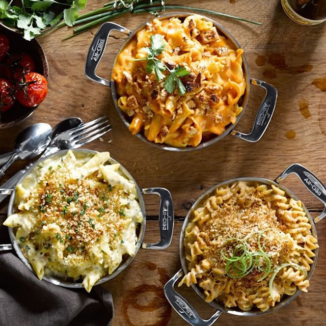 1, 2, 3 twists on an American favorite! Truffle, Taco and Sriracha Mac & Cheese are easy to make with our new starters, available in-stores + online via our profile link. #NationalMacandCheeseDay